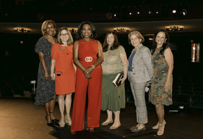 Sheryl Lee Ralph with Board Members (left to right) Aretha Green, Laurie Schechter, Phyllis Hansen, President Patty Lombard and Madelyn Murray.